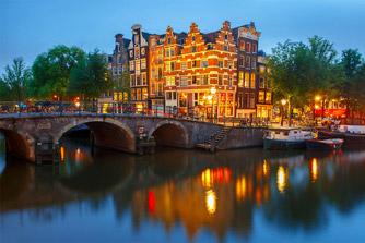 Nachtaanzicht grachten Amsterdam